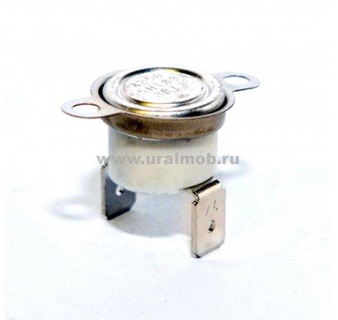 Фото: Пучок проводов от выключателя к плафону