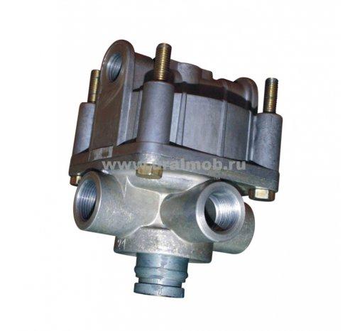 Фото: 8801-3518210-10 Клапан ускорительный (Беломо) н/о с дополн. выводом (под шумоглушитель)